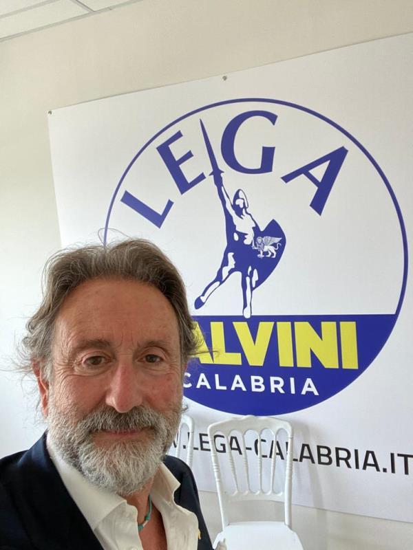 "images Sanità. D'Alessandro (Lega): ""A Vibo ambulanze ed ecografi a noleggio: una vergogna"""