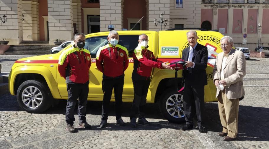 images La Fondazione Carical dona 10 defibrillatori al Soccorso Alpino e Speleologico Calabria