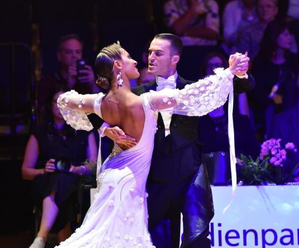 images Danza Standard, coppia calabrese trionfa al German Open Championships