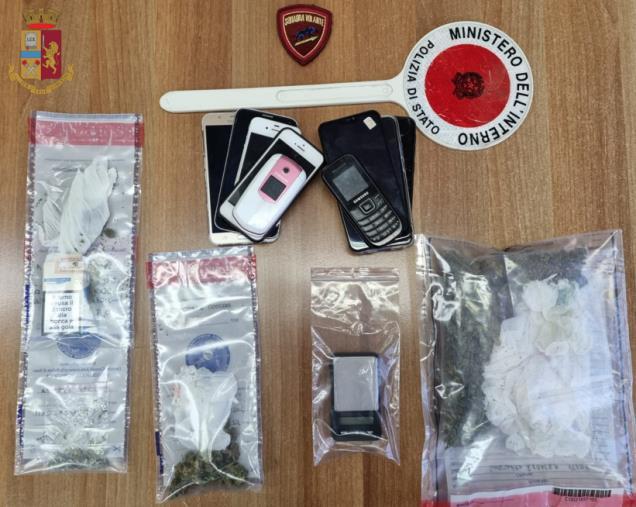 images Vibo Valentia. Droga: denunciati due fratelli trovati con 71 grammi di marijuana