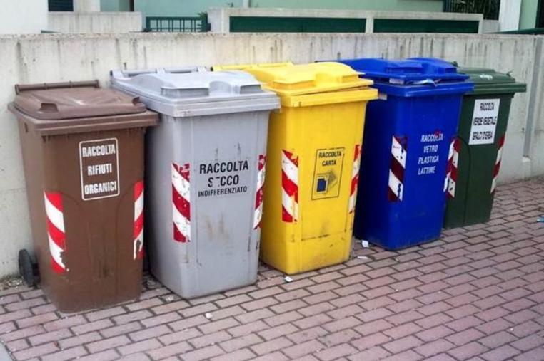 images Stalettì, prorogato di 3 mesi l'affidamento della gestione dei rifiuti