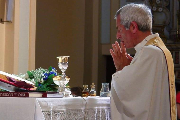 """images Catanzaro. Tre anni senza don Dino Piraino, Maria Marino: """"Sacerdote testimone della Verità, del servizio e dell'amore per il prossimo"""""""