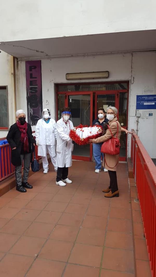 """images L'Asit dona 1000 mascherine ai pazienti dializzati dell'ospedale """"Annunziata"""" di Cosenza"""