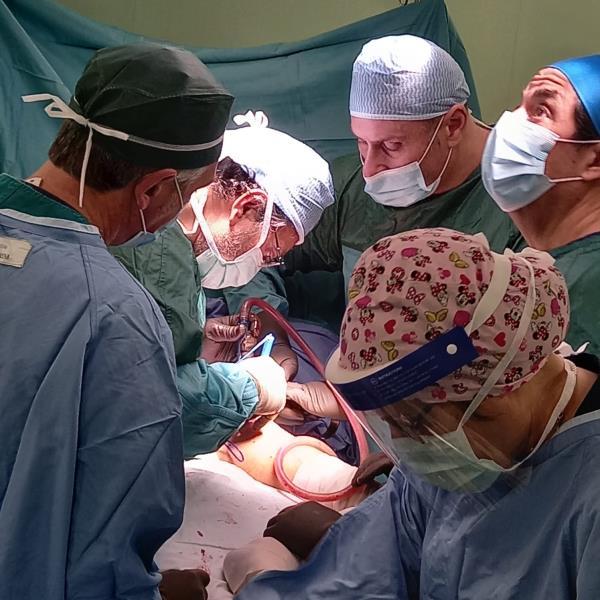 images Buona sanità. Eseguito complesso intervento a Villa Serena su una ragazza di 14 anni