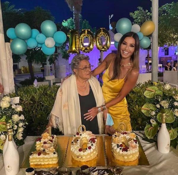 images Soverato. La nonna di Elisabetta Gregoraci festeggia 100 anni