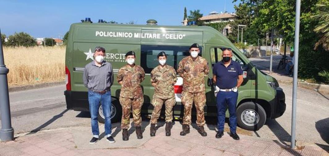 images Vaccini a domicilio a Riace, il sindaco Trifoli ringrazia l'Esercito
