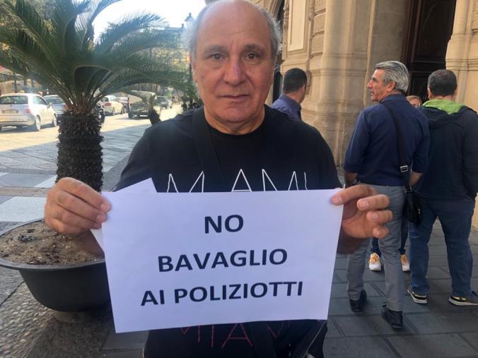 """images Caos alla Questura di Catanzaro, Allotta (Pnfd): """"Iniziato lo sciopero della fame fino a quando Di Ruocco non andrà via"""""""