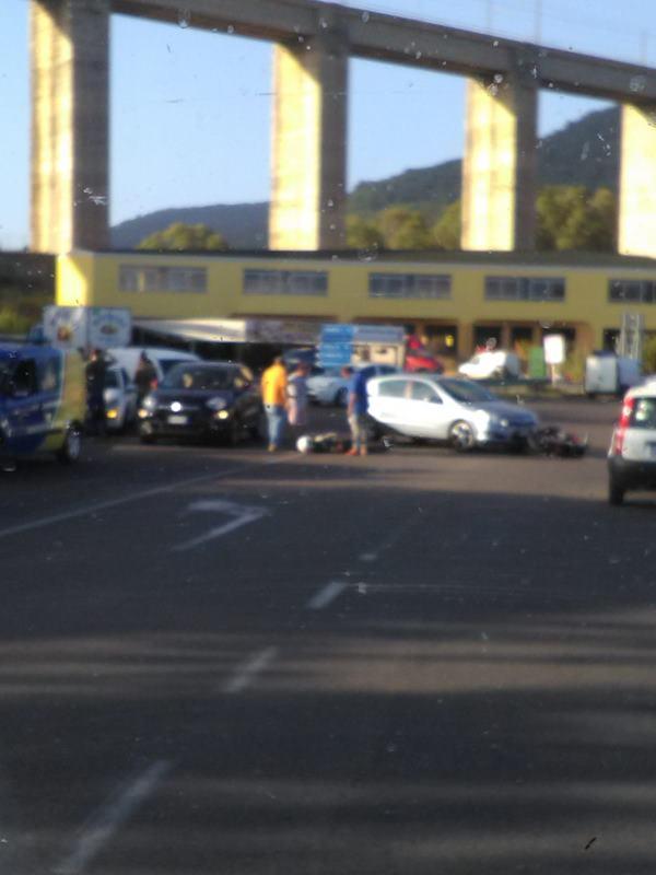 images Pizzo,  scontro tra auto e moto  traffico rallentato