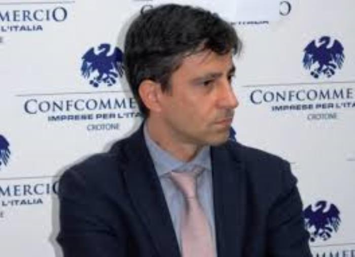 """images Tassa rifiuti. Confcommercio Calabria centrale: """"I costi in crescita nonostante le attività chiuse per la pandemia"""""""