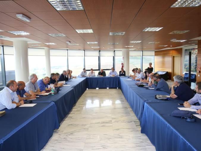 images Riunione Regione-sindacati su Ferrovie della Calabria: assicurati investimenti e partecipazione Cometra