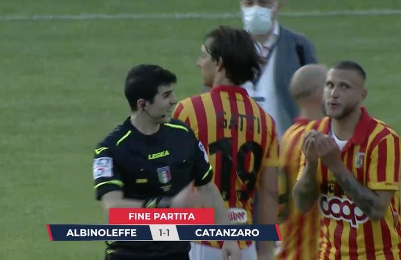 images Serie C, Play-off. Albinoleffe vs Catanzaro: 1-1 finale. Le Aquile pareggiano a Gorgonzola dopo una prestazione attenta