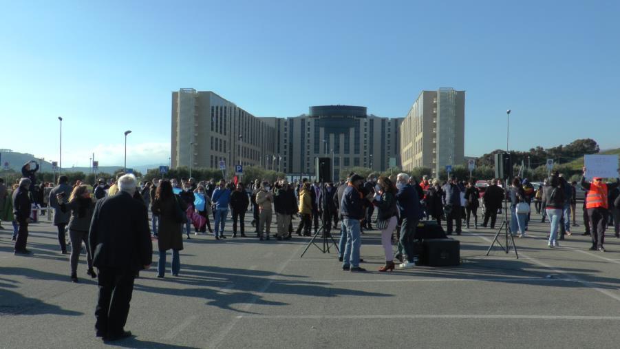 images Flash mob degli attivisti con Tansi e De Magistris davanti alla Cittadella: 'Pronti a cambiare la Calabria'