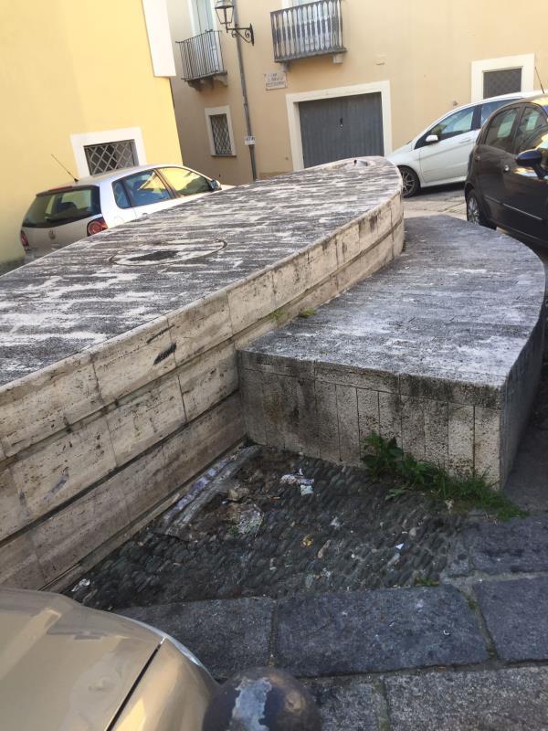 """images Catanzaro. Ripulita la navetta del Pianicello. Mauro (ponte Morandi): """"Finalmente liberata dai rifiuti"""" (FOTO)"""