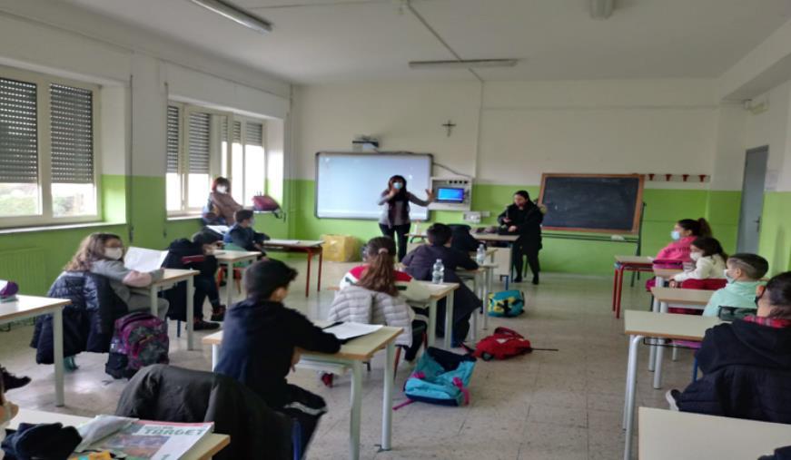 """images Catanzaro. L'Ic Nord/Est Manzoni e il Centro Solidale Calabrese aderiscono al progetto """"Tutte le strade portano a scuola"""""""