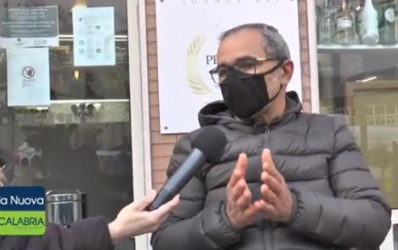 """images Tolleranza zero a Catanzaro. Il titolare di un bar multato: """"Giusto pagare, ma serve cambiare le restrizioni"""""""