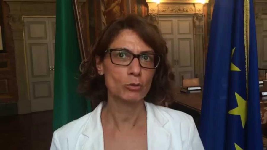 """images Coronavirus. Scuole e Università, il Governo decide domani. Abramo e Santelli chiedono di chiudere. La Prefettura: """"Non potete emettere ordinanze"""""""