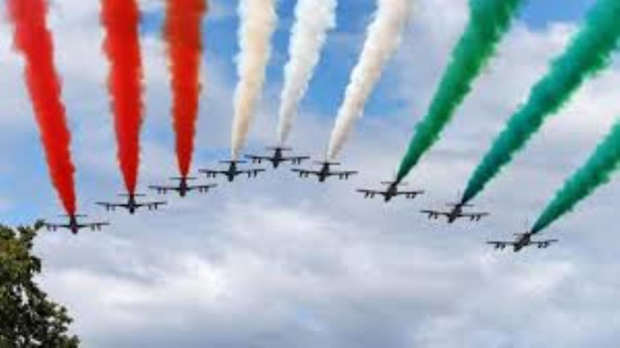 images A Reggio Calabria le Frecce Tricolori incantano trentamila spettatori