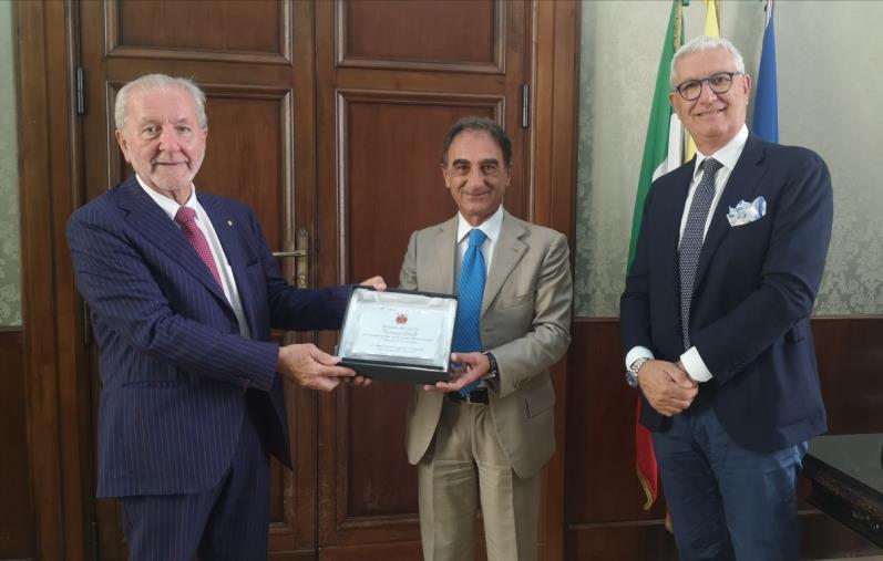 images Catanzaro, il sindaco Abramo ha ricevuto il presidente della Lega Pro Ghirelli e il patron dell'Us Catanzaro Noto