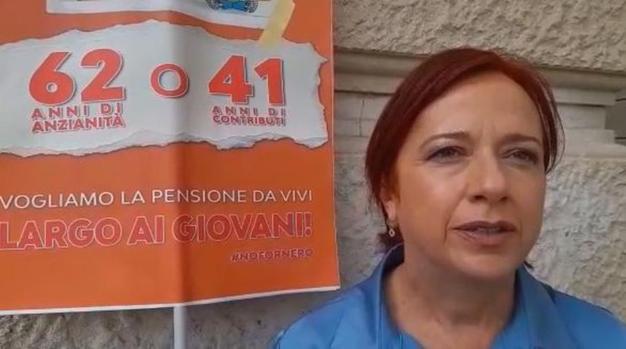 """images Sit-in contro il possibile ritorno della legge Fornero. La senatrice Granato da Catanzaro: """"Pensione a 62 anni o a 41 di contributi"""""""