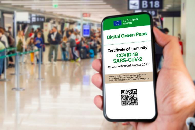 """images Green pass. Il ministro Lamorgese: """"I titolari dei locali non devono chiedere documenti d'identità"""""""