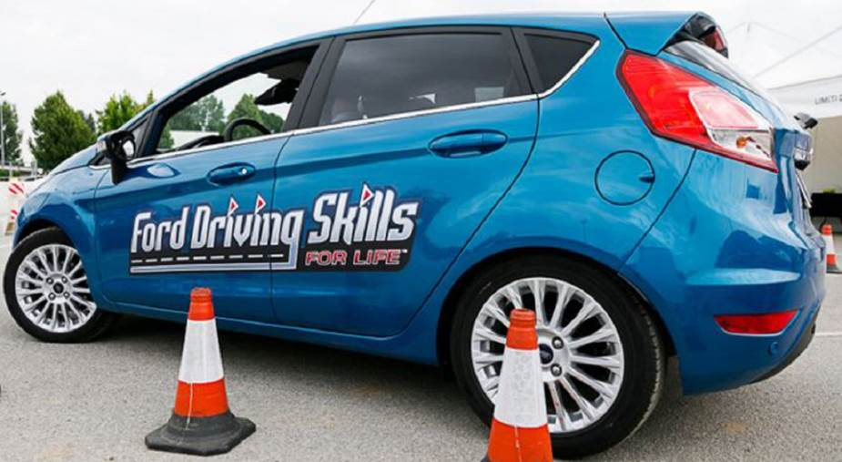 images Ford Driving Skills For Life ai nastri di partenza