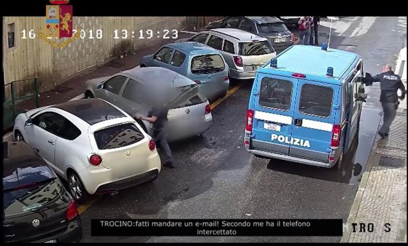 """Operazione """"Ikaros"""": avvocati e poliziotti coprivano l'immigrazione clandestina"""