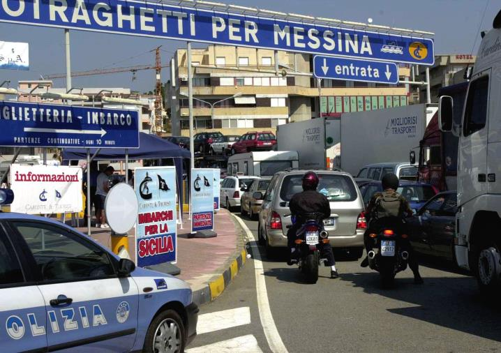 images Esodo da bollino nero, cinque morti. In Calabria attese agli imbarchi per la Sicilia