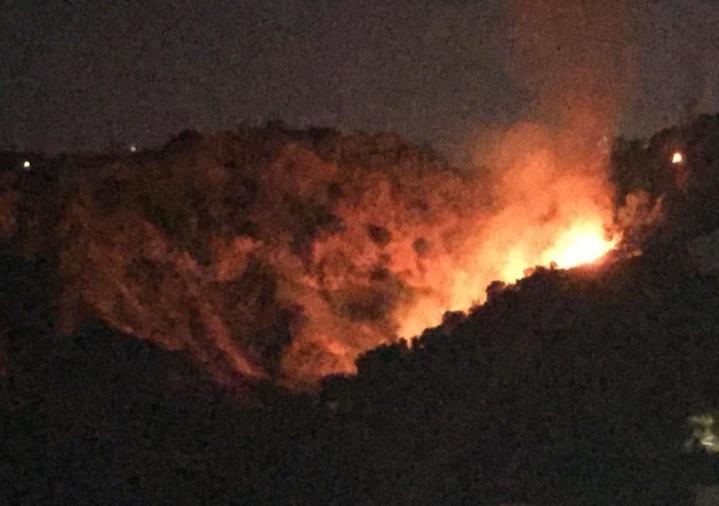 images Grosso incendio fra le colline a nord di Catanzaro (VIDEO)