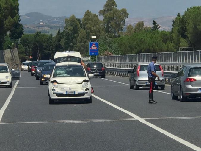 Incidente nei pressi di Copanello, rallentamenti sulla 106
