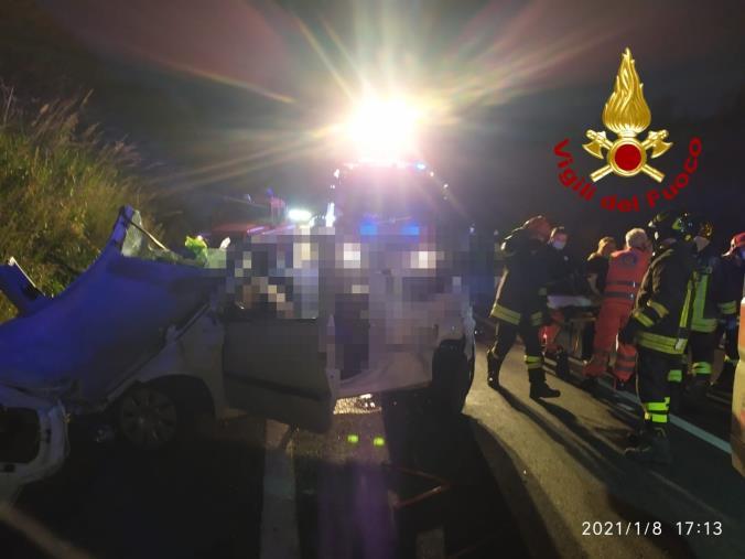 images Tragedia a San Nicola Arcella: muore una ragazza in un incidente, feriti i tre compagni
