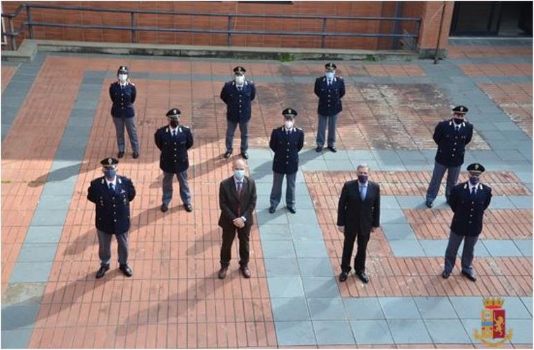images Catanzaro: il Questore Finocchiaro dà il benvenuto ai nuovi Vice Ispettori di Polizia