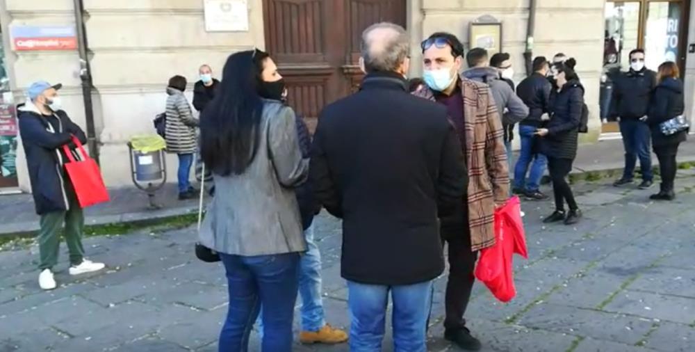 """""""Torniamo a fare spettacolo"""", Cambiavento al fianco dei lavoratori durante la manifestazione a Catanzaro"""