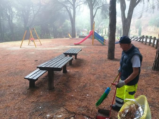 images Ripulito il parco giochi della pineta di Siano