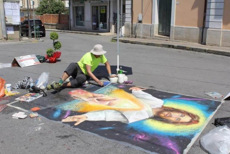 images I Madonnari colorano la piazza