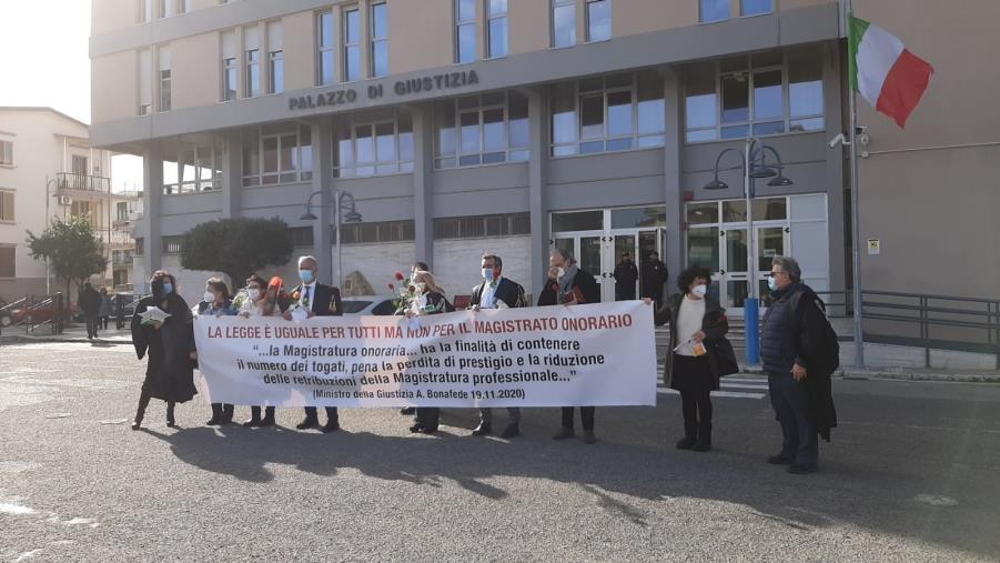 images I giudici onorari a Crotone chiedono risposte (VIDEO)