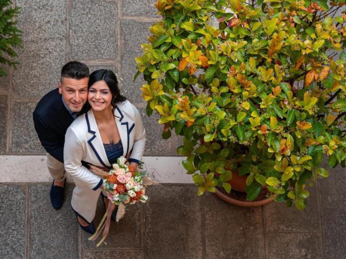 images Catanzaro. Fiori d'arancio per Marco e Roberta: il loro amore ha vinto sulla pandemia