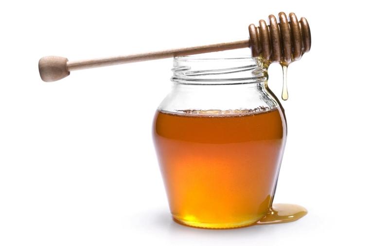 """images """"Il clima ha dimezzato il miele calabrese"""". Coldiretti denuncia: """"Un vaso su due è straniero"""""""
