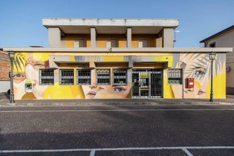 images Altomonte, Poste italiane e Comune presentano il murale realizzato presso l'ufficio postale