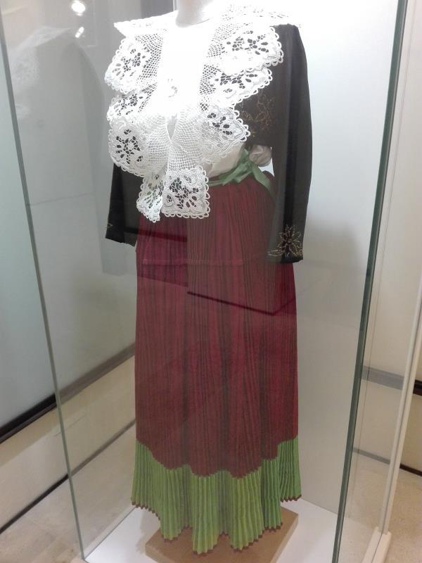 """images Il Museo del costume arbëreshë di S. Sofia d'Epiro, Taverniti: """"Vestiti che rappresentano un'identità"""""""