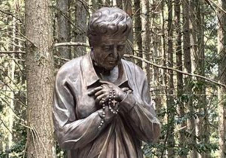 """images Inaugurati in Sila piazza e busto dedicati a """"Mamma Natuzza"""". A Cutura, la cerimonia in occasione del compleanno della mistica"""