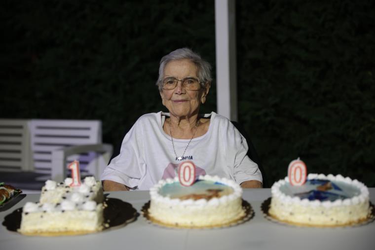 images Catanzaro. Nonna Rosa festeggia 100 anni: un esempio di umiltà, coscienza, amore
