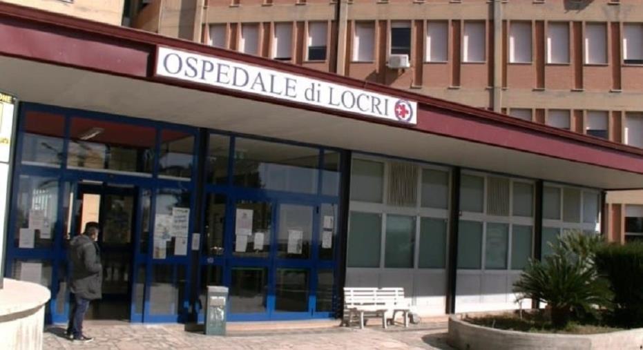 """images Il sindaco di Locri sbotta: """"Il reparto di Ortopedia è aperto a turni. E' un'agonia"""""""