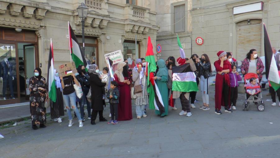 images Conflitto in Medio Oriente. La voce del popolo palestinese in piazza a Catanzaro
