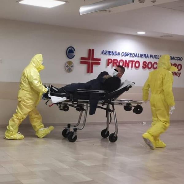 """images Coronavirus. I Quartieri: """"Fuori da ogni procedura che i pazienti potenzialmente affetti possano transitare dai corridoi del Pronto Soccorso senza sistema isolante"""""""