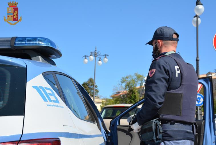 images Vibo Valentia. Ruba un motorino e i poliziotti beccano il figlio alla guida: 50enne denunciato per ricettazione
