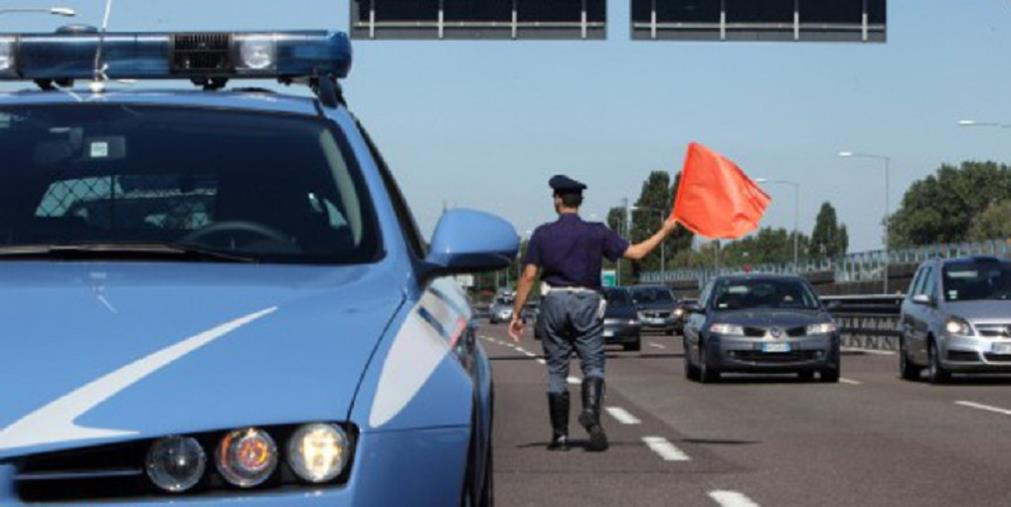 images Cosenza. Camionista con 135 mila euro nel cruscotto non fornisce spiegazione: soldi sequestrati