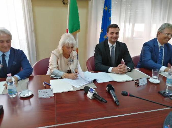 images Opere abusive nel territorio a Cassano Ionio, Sibilia firma il protocollo
