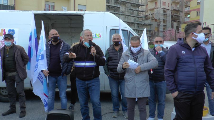 """images La protesta degli ambulanti calabresi: """"Così non si può andare più avanti. Siamo discriminati"""""""