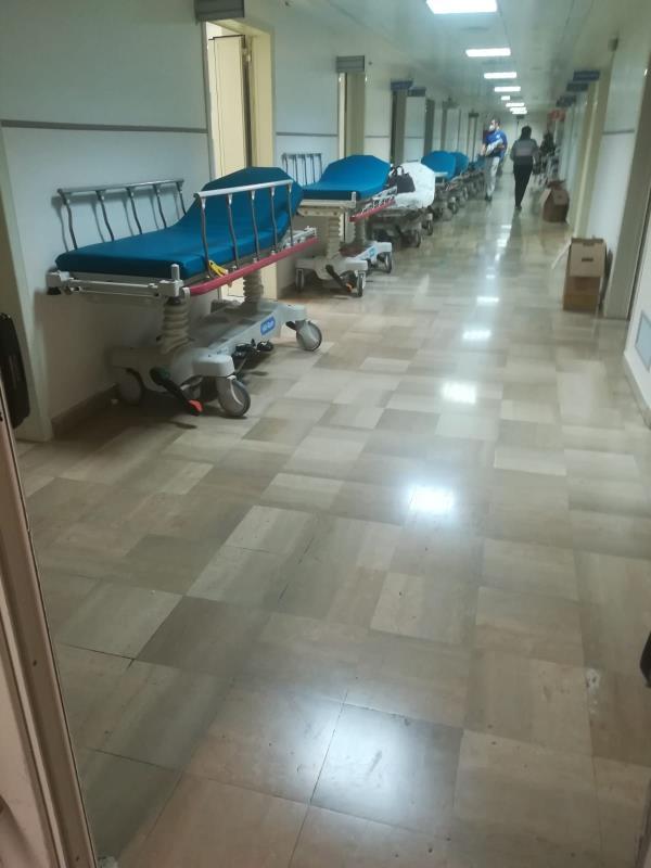images Attende quasi 13 ore in Pronto Soccorso per un intervento d'urgenza, l'odissea di una paziente al Pugliese-Ciaccio