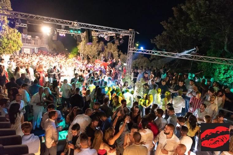 images Rebus, la festa è finita. Chiude la discoteca che ha fatto ballare intere generazioni dal 1970
